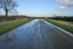A_very_wet_road_-_geograph.org.uk_-_337091