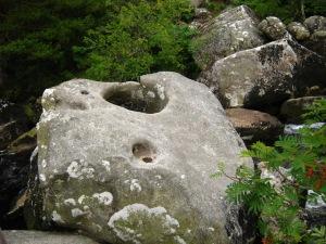 hole-stone-1