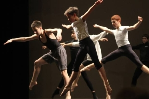 makani-yerg-12-participates-with-other-boys-in-the-master-class-on-modern-dance-on-the-vma-stage-in-providence-photo-by-mary-murphy-2014