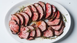 roast-beef-tenderloin-with-garlic-and-rosemary