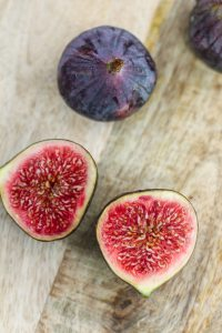Honey-Roasted-Figs-with-Greek-Yogurt-1