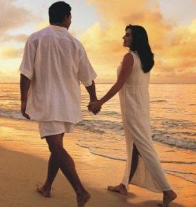 Beach.Love_.Couple.1